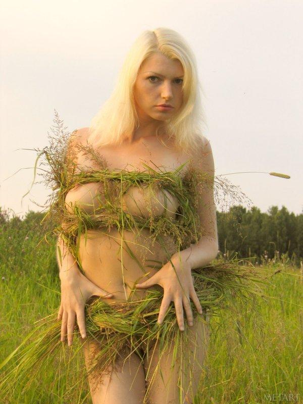 Русская красивая эротика от грудастой блондинки