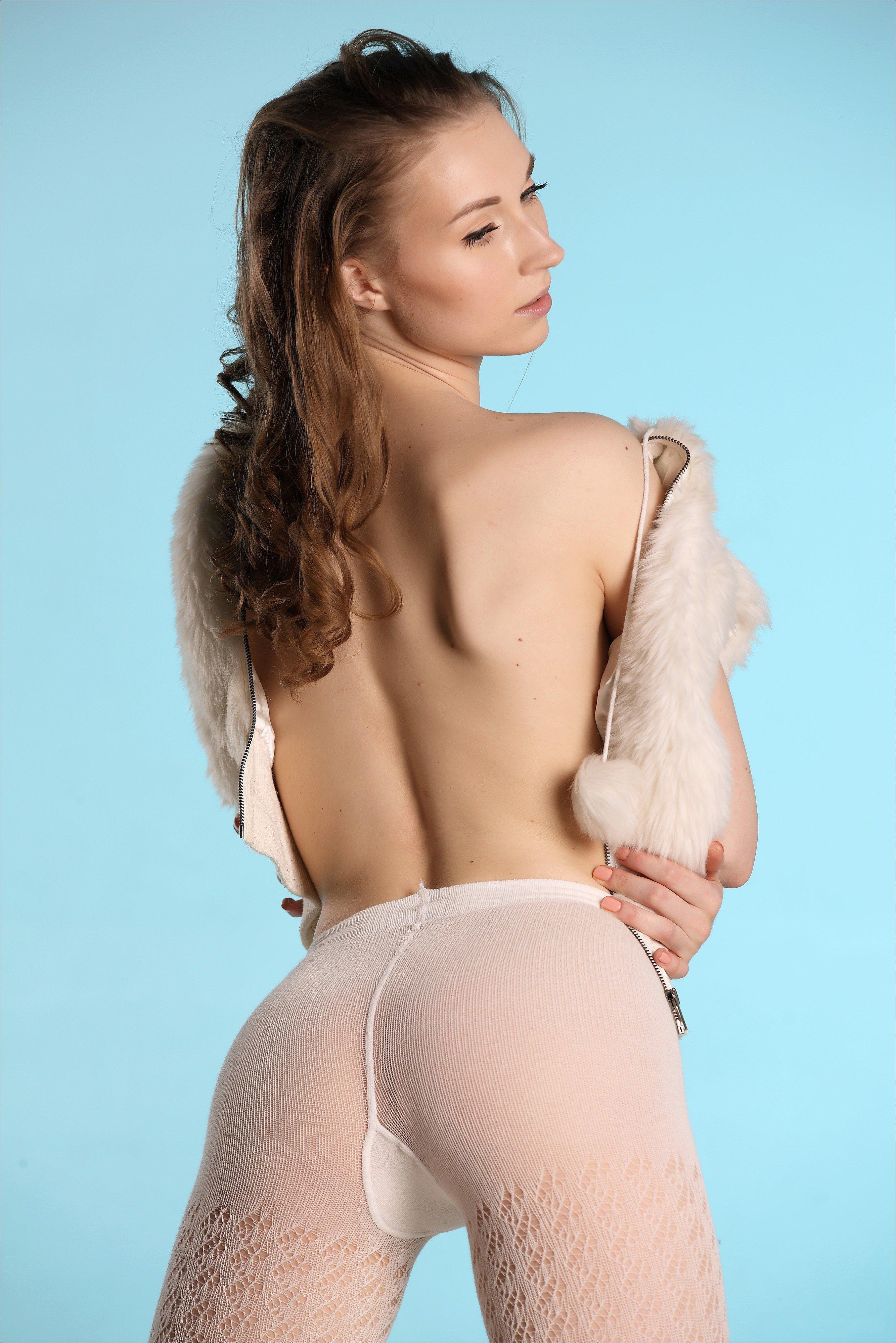 женщины попы большие фото натуральные одетые ираздетые