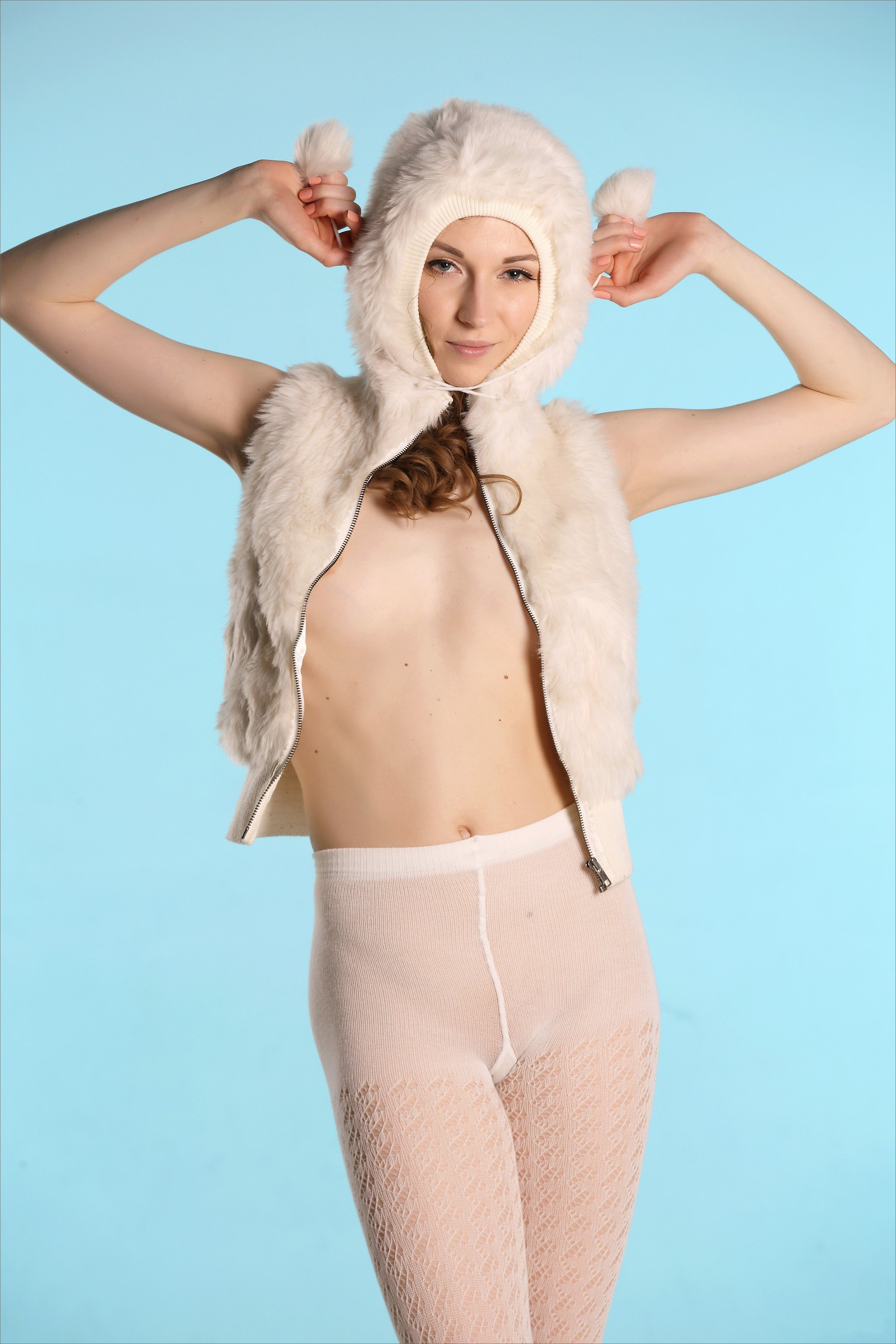 голые девушки киски попы фото