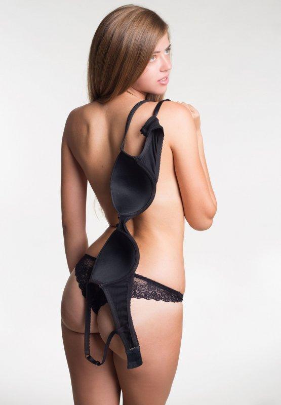 фото голая стройная девушка с животиком